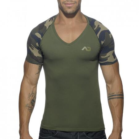 AD460 Addicted V-neck t-shirt