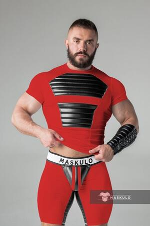 Maskulo armored. men's fetish t-shirt. spandex. front pads rød