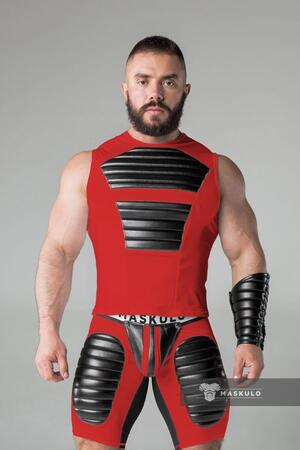 Maskulo armored. men's fetish tank top. spandex. front pads rød
